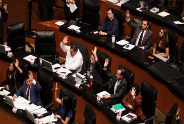 Avanza en Senado castigo a evasión de impuestos por 'empresas fantasma' y facturas falsas
