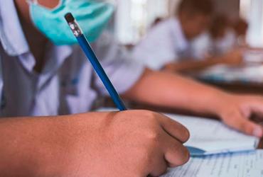 Clases presenciales se reanudarán 15 días después de vacunar a los maestros