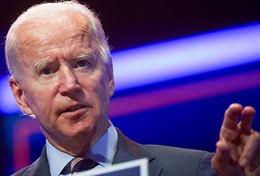 Joe Biden acude a hospital tras sufrir un pequeño accidente