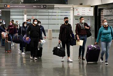 ¿Cuánto aumenta el precio de viajes nacionales e internacionales en avión en 2021?
