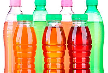 ¡Aguas! Profeco halla bebidas saborizadas con más azúcar que un refresco y con sólo 1% de jugo